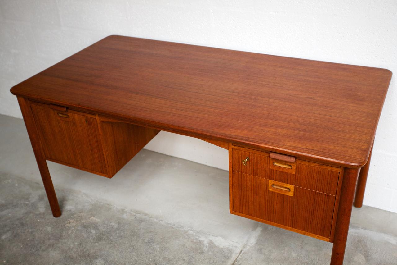 Bureau en bois exotique style colonial tiroirs vical home vical h