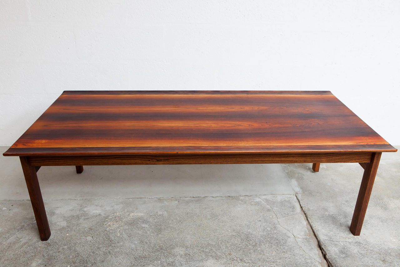 Ta 043 tack market for Grande table basse scandinave