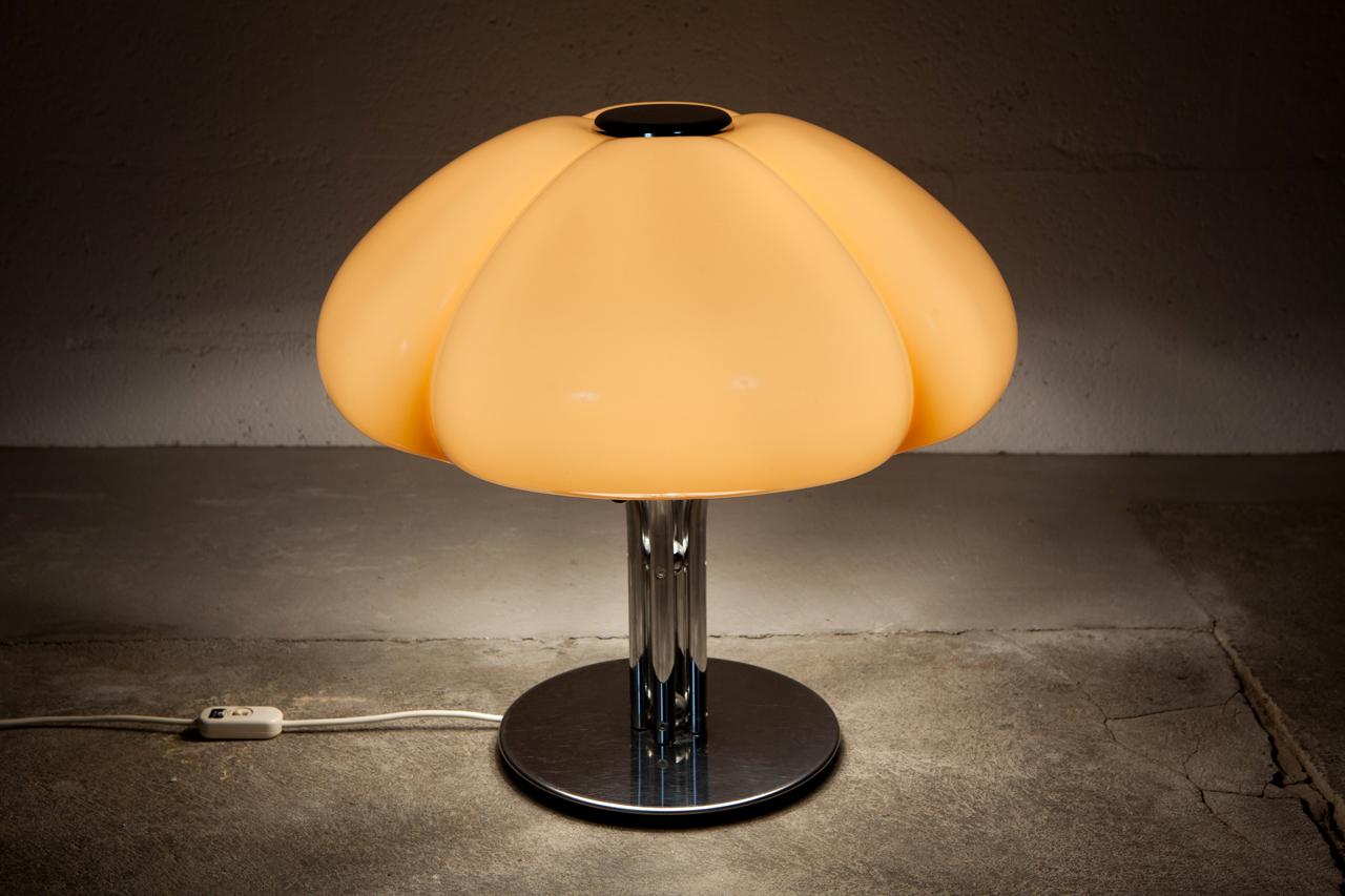 Li 023 tack market for Lampe a poser but