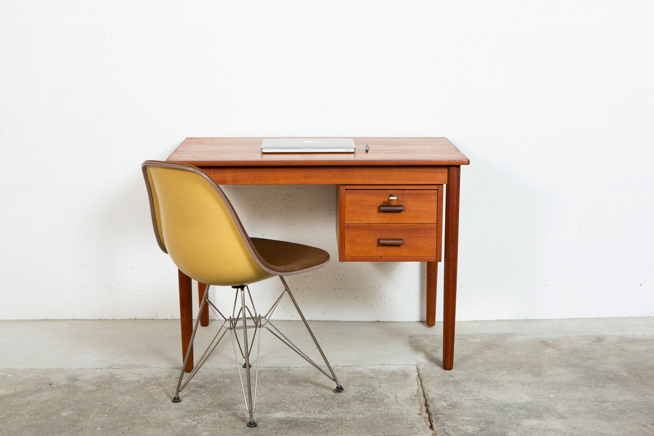 bureau scandinave vintage mon coin bureau scandinave et minimaliste l blog mode et lifestyle. Black Bedroom Furniture Sets. Home Design Ideas